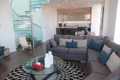 2 bedroom penthouse for sale - Tennyson Apartments, Saffron Square, Croydon, CR0 2FY