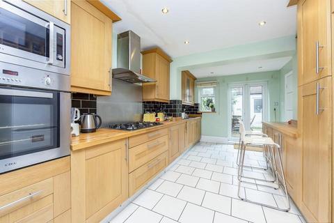 4 bedroom terraced house to rent - Hanbury Road, London N17