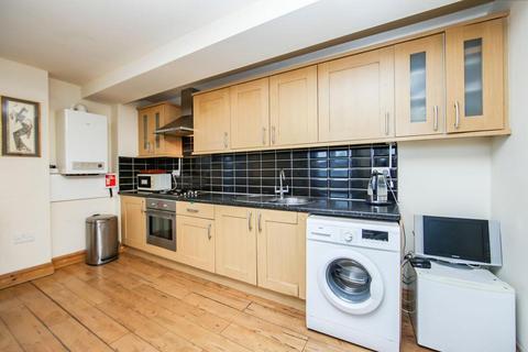 1 bedroom flat to rent - St. Leonards Street, London E3