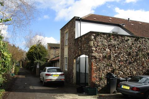 2 bedroom apartment to rent - Thorndale Mews, Garden Flat
