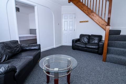 4 bedroom house to rent - Mossley Avenue, Poole,