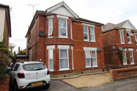 3 bedroom flat for sale - Charminster