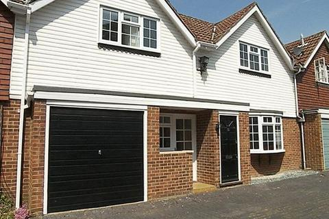 2 bedroom detached house to rent - Belmont Mews, Camberley