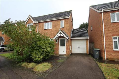 3 bedroom semi-detached house to rent - York Close, Biggleswade, SG18
