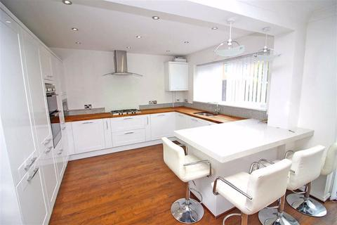 3 bedroom detached house to rent - Mitchell Close, St Mellons, Cardiff