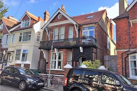 Studio to rent - Chatsworth Road, Brighton
