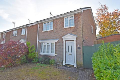 3 bedroom detached house for sale - The Shaws, Welwyn Garden City, AL7
