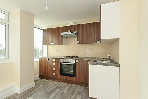 2 bedroom apartment to rent - Roman Square, Sittingbourne