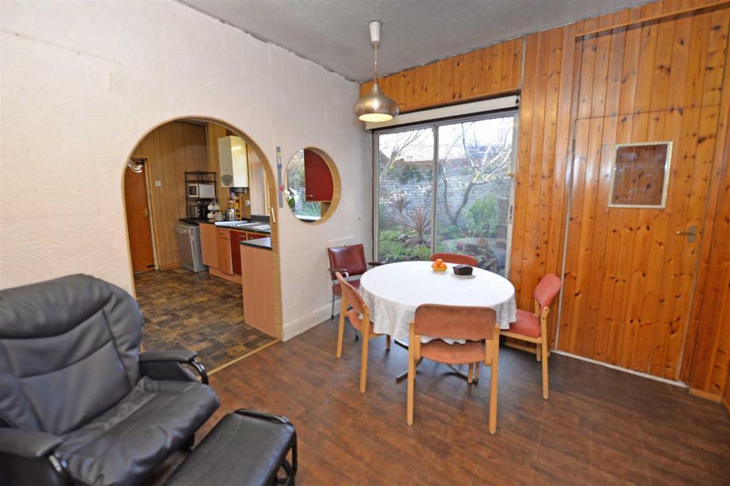 Kitchen / breakfasting room