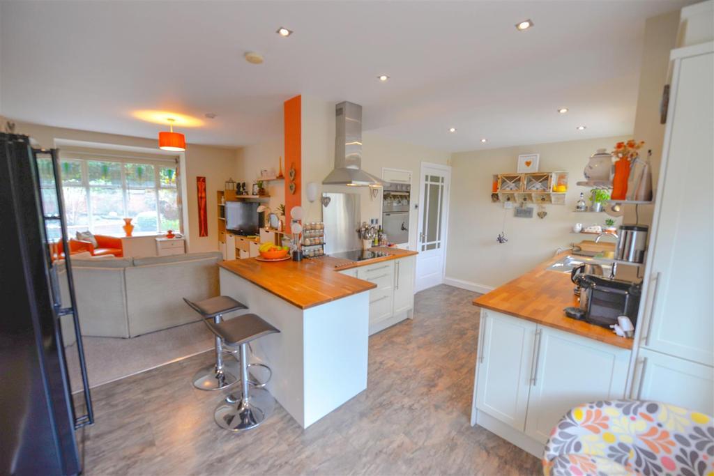 Kitchen888.jpg