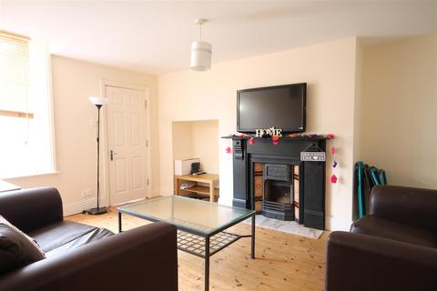 5 bedroom maisonette to rent - Bolingbroke Street, Heaton