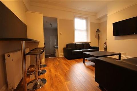 6 bedroom terraced house to rent - Oxnam Crescent, Spital Tongues