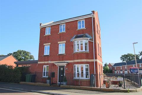 4 bedroom townhouse for sale - Culm Grove, Kings Heath, Exeter