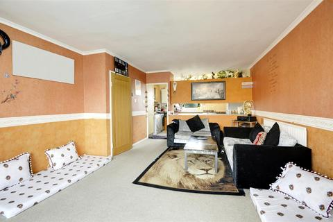 2 bedroom apartment for sale - Wheatlands, Heston