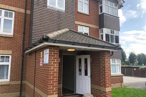 2 bedroom flat for sale - Chamberlain Gardens, Hounslow