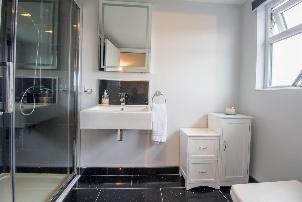Bedroom One En Suite