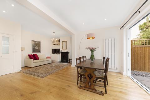 2 bedroom flat to rent - Badminton Road, SW12