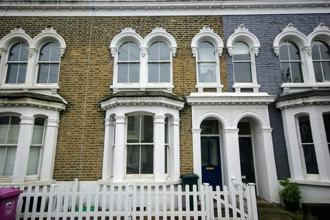 3 bedroom semi-detached house to rent - Strahan Road, E3