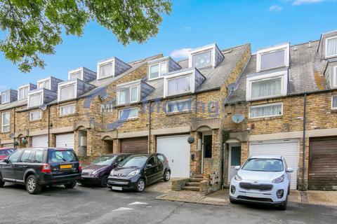 House share to rent - Dunbar Street, London, SE27