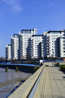 2 bedroom apartment to rent - Bendish Point, Erebus Drive, SE28 0GJ