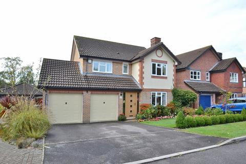 4 bedroom detached house for sale - Broadstone