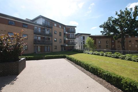1 bedroom ground floor flat to rent - Finlay Court, Commonwealth Drive, Crawley, West Sussex. RH10 1AJ