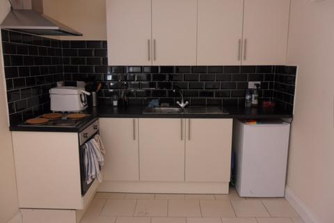 1 bedroom flat to rent - Radford Road, Radford CV6
