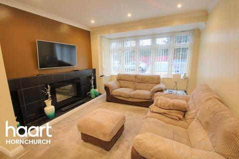 3 bedroom terraced house for sale - Upper Rainham Road, Hornchurch