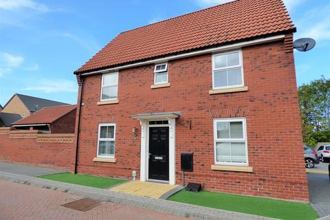 3 bedroom detached house for sale - Newman Avenue, Beverley, East Yorkshire, HU17 7FB