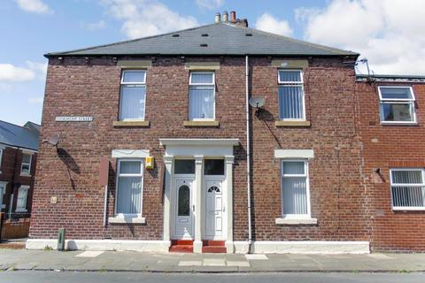 2 bedroom ground floor flat to rent - Stormont Street, North Shields, Tyne and Wear, NE29 0EY