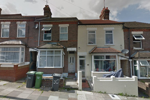 3 bedroom terraced house for sale - Chiltern rise luton, lu1