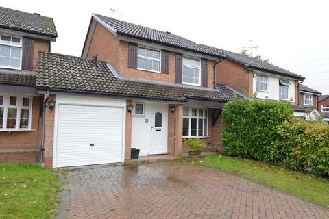3 bedroom house to rent - Kingsford Close, Woodley