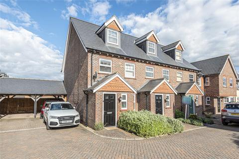 3 bedroom house for sale - Helens Close, Alton, Hampshire, GU34