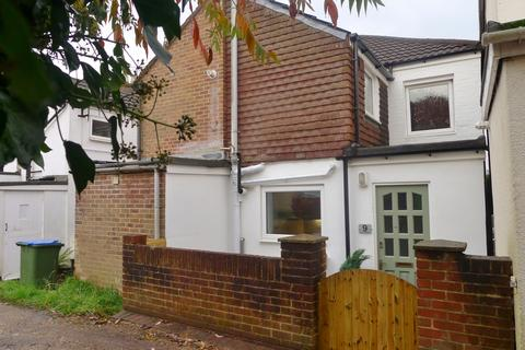 2 bedroom cottage to rent - Fareham   Trinity Gardens   Unfurnished