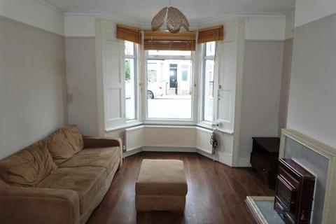 2 bedroom terraced house to rent - Avenue Road, Tottenham, London, N15