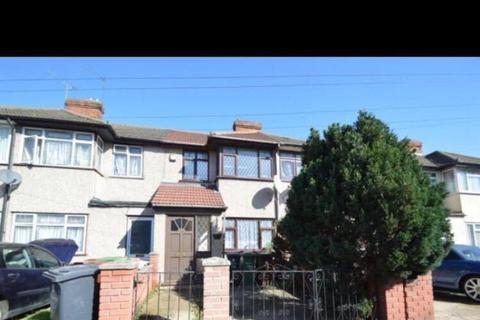 3 bedroom terraced house to rent - Third Avenue, Dagenham, RM10