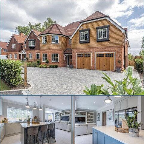 5 bedroom detached house for sale - Rosebank, Chertsey Road, Chobham, Woking, GU24