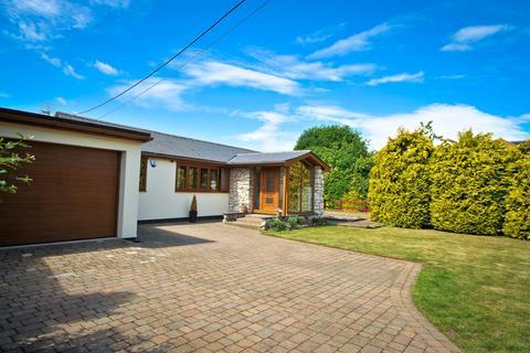 4 bedroom detached bungalow to rent - Tipps Cross Lane Hook End CM15