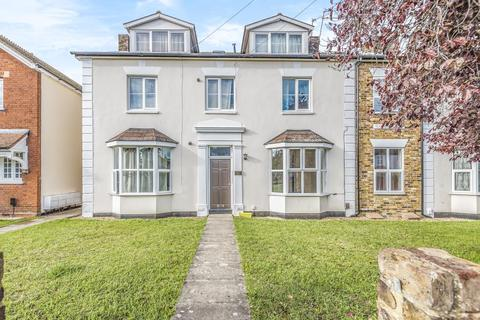 2 bedroom apartment to rent - Staines upon Thames, Surrey, TW18