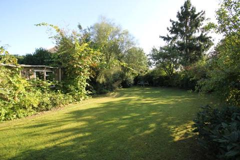 4 bedroom house to rent - Moore Grove Crescent, Egham, Surrey, TW20
