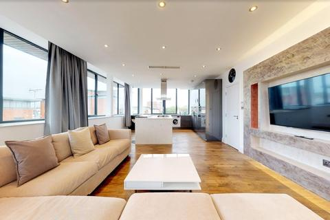 3 bedroom penthouse to rent - Stratford Road, London, E13