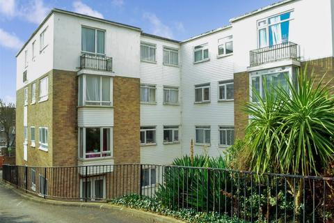 2 bedroom flat to rent - 15 Montpelier Terrace Brighton BN1