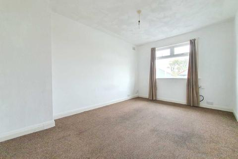 2 bedroom flat to rent - Watson Road, Squires Gate