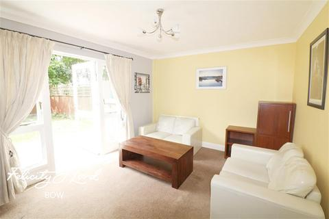 2 bedroom flat to rent - Hainton Close, E1