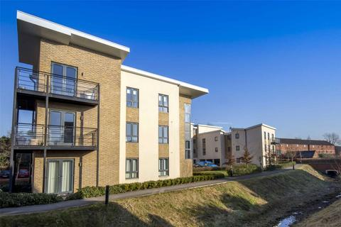 2 bedroom apartment to rent - Birtchnell Close, Berkhamsted, Hertfordshire, HP4