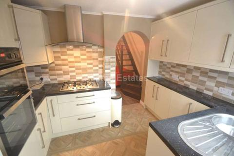 3 bedroom terraced house to rent - Foxhill Road, Reading