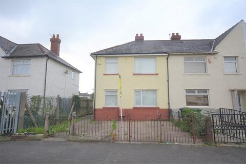 3 bedroom semi-detached house to rent - Clydesmuir Road, Cardiff, Cardiff. CF24