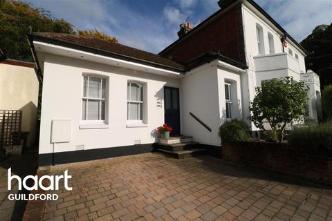 1 bedroom flat to rent - High Path Road