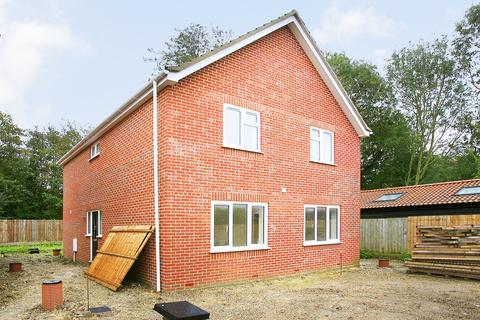 4 bedroom detached house for sale - Long Street, Great Ellingham