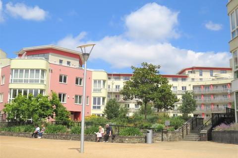 2 bedroom apartment to rent - Harbourside, The Crescent, BS1 5PJ